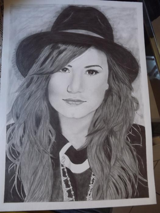 Demi Lovato by thaisdiniz